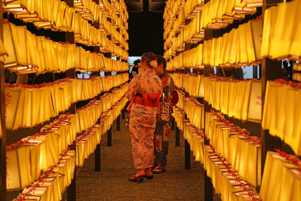 mitama-matsuri-at-yasukuni-shrine