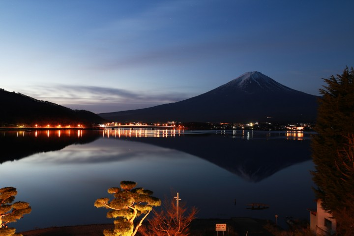Mount-Fuji-at-Dawn