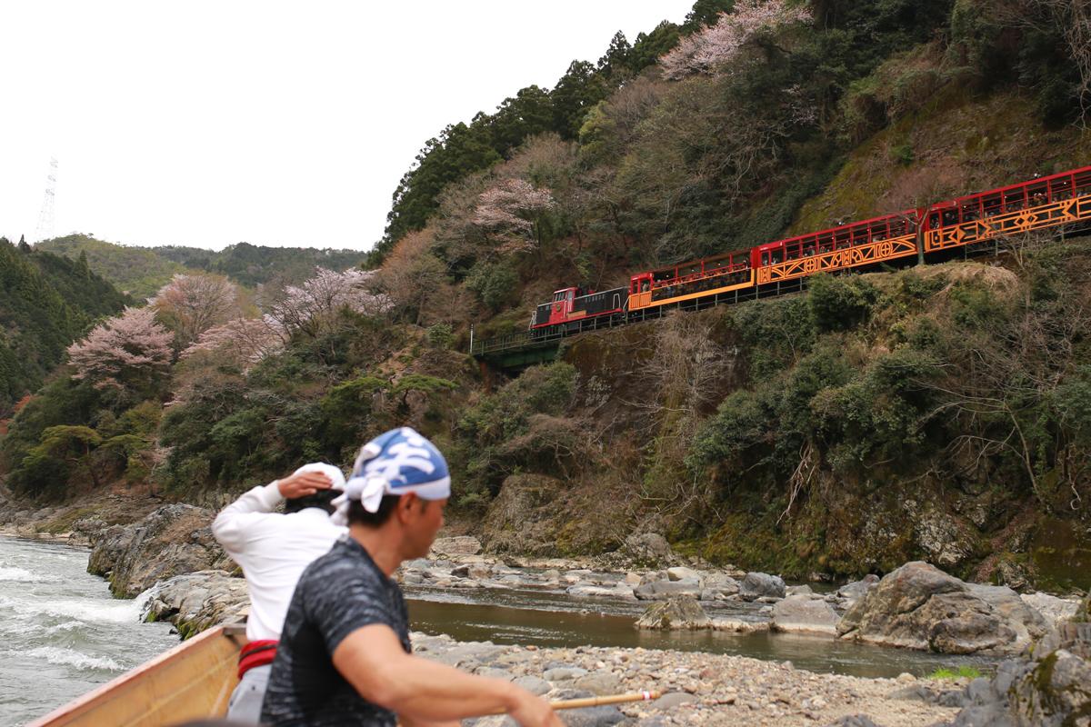 Hozugawa-and-Sagano-Train
