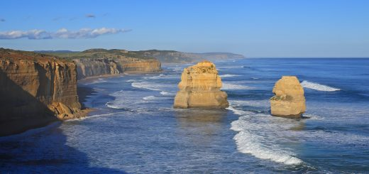 The-Twelve-Apostles-Great-Ocean-Road