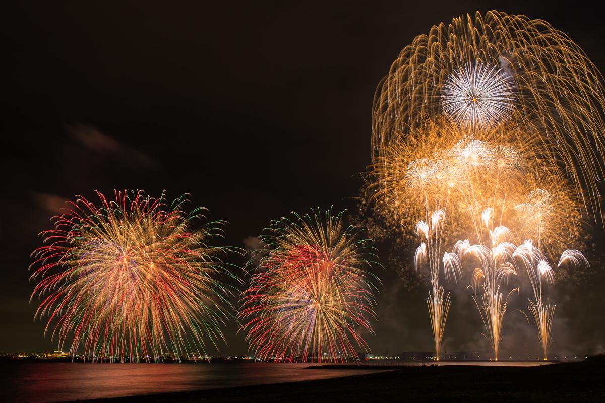 Fireworks-on-the-Ocean